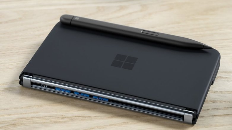 Microsoft Surface DUo 2 3
